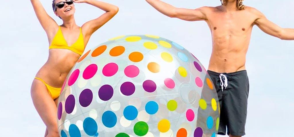 Gigantischer Wasserball